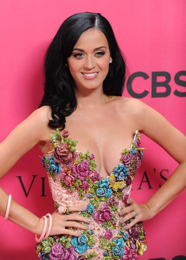 Katy Perry sexiest pictures from then (older) and now (current). (33)