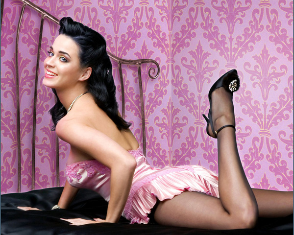 Katy Perry sexiest pictures from then (older) and now (current). (19)