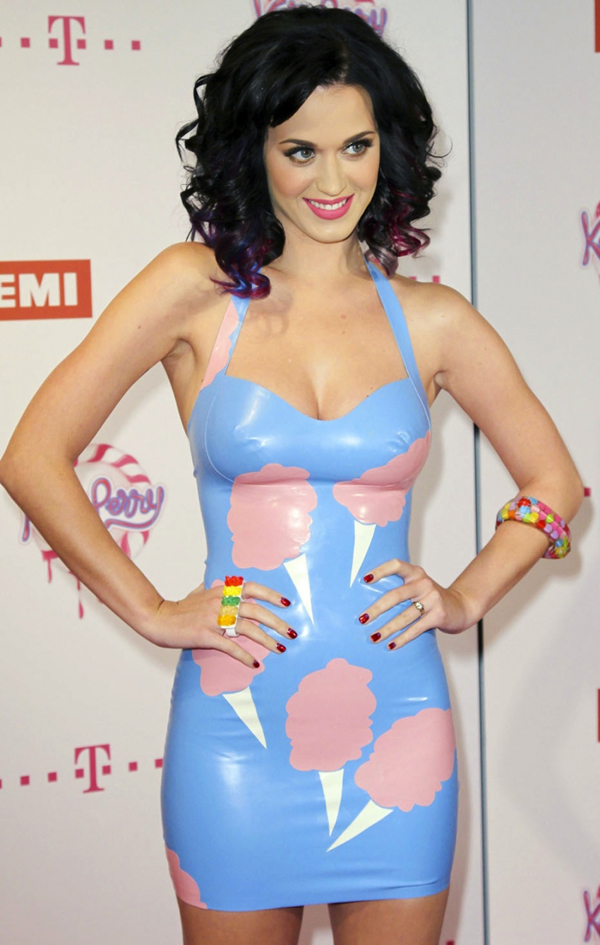 Katy Perry sexiest pictures from then (older) and now (current). (16)