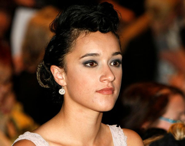 Keisha Castle-Hughes sexiest pictures from her hottest photo shoots. (5)