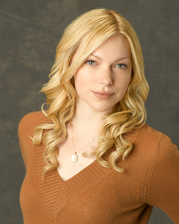 Laura Prepon sexiest pictures from her hottest photo shoots. (14)