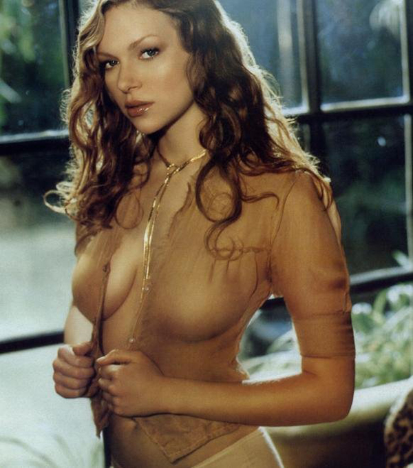 Laura Prepon sexiest pictures from her hottest photo shoots. (1)