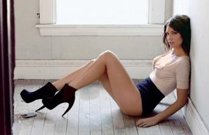 Lauren Cohan sexiest pictures from her hottest photo shoots. (34)