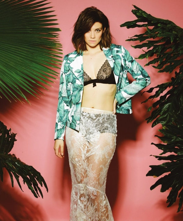 Lauren Cohan sexiest pictures from her hottest photo shoots. (6)