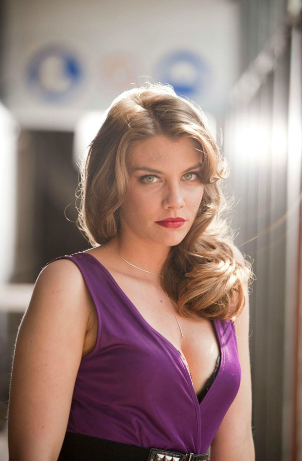 Lauren Cohan sexiest pictures from her hottest photo shoots. (5)