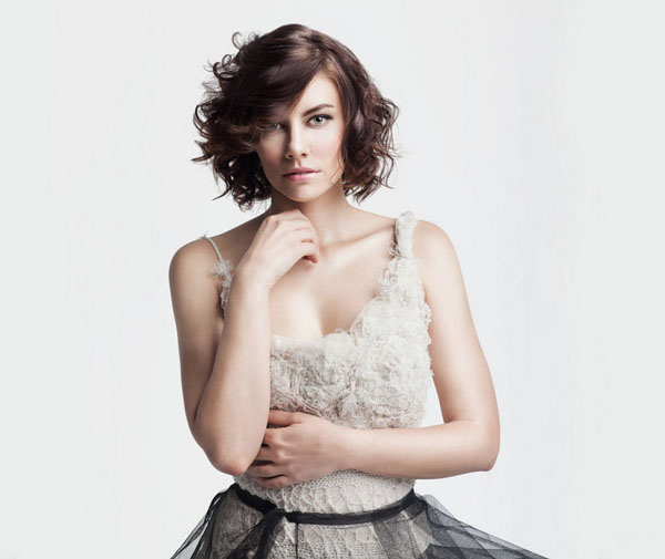 Lauren Cohan sexiest pictures from her hottest photo shoots. (4)