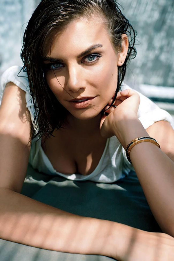 Lauren Cohan sexiest pictures from her hottest photo shoots. (2)