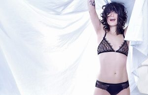 Lena Headey sexiest pictures from her hottest photo shoots. (33)