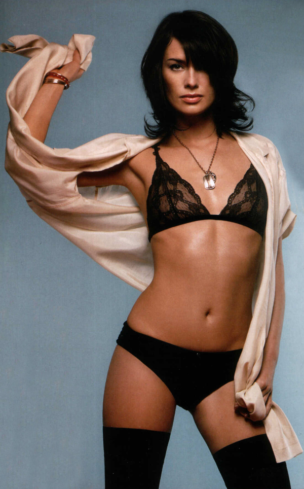 Lena Headey sexiest pictures from her hottest photo shoots. (22)