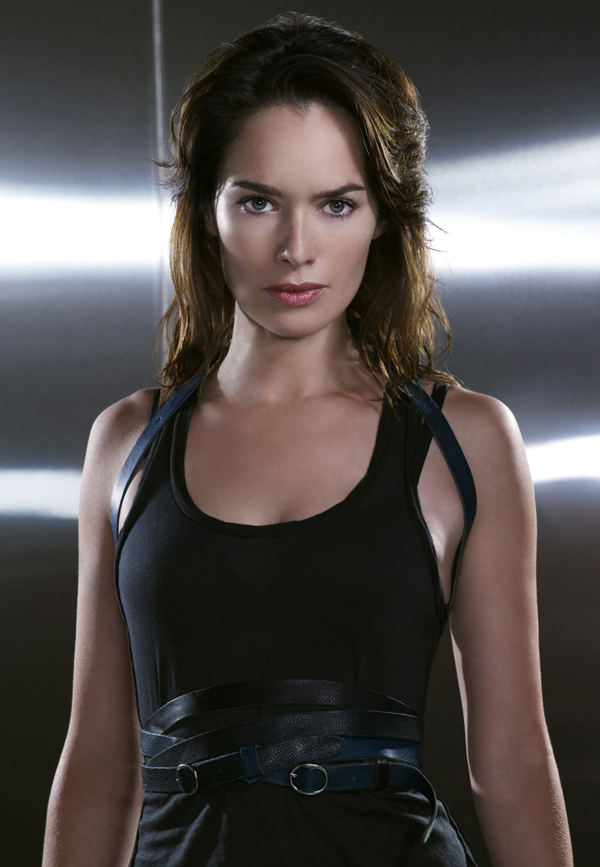 Lena Headey sexiest pictures from her hottest photo shoots. (10)