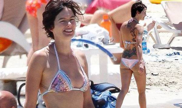 Lena Headey sexiest pictures from her hottest photo shoots. (4)
