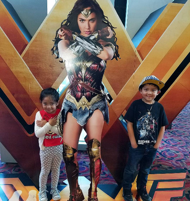 Little Ladies Who Were Empowered By Wonder Woman and posing with the movie poster. (13)