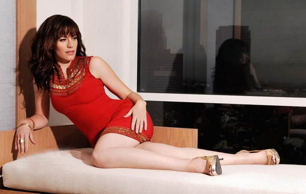 Maggie Siff sexiest pictures from her hottest photo shoots. (24)