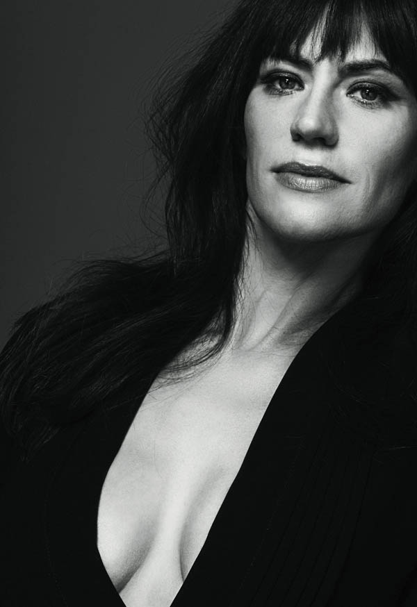 Maggie Siff sexiest pictures from her hottest photo shoots. (17)