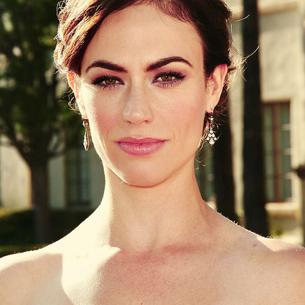 Maggie Siff sexiest pictures from her hottest photo shoots. (16)