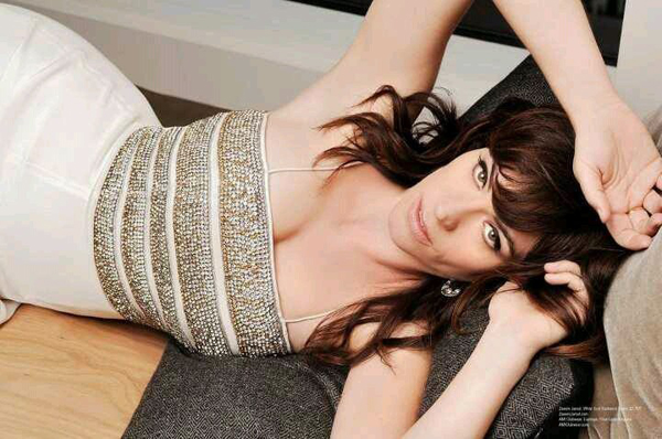Maggie Siff sexiest pictures from her hottest photo shoots. (15)
