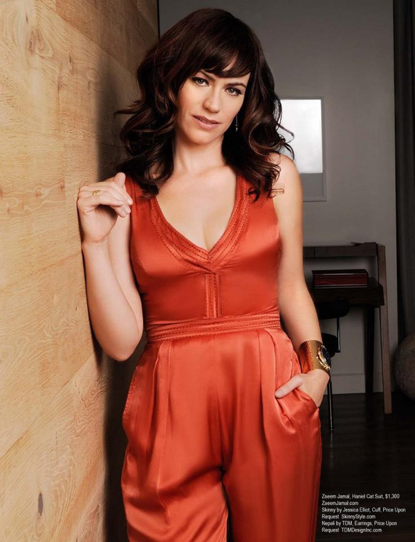 Maggie Siff sexiest pictures from her hottest photo shoots. (13)