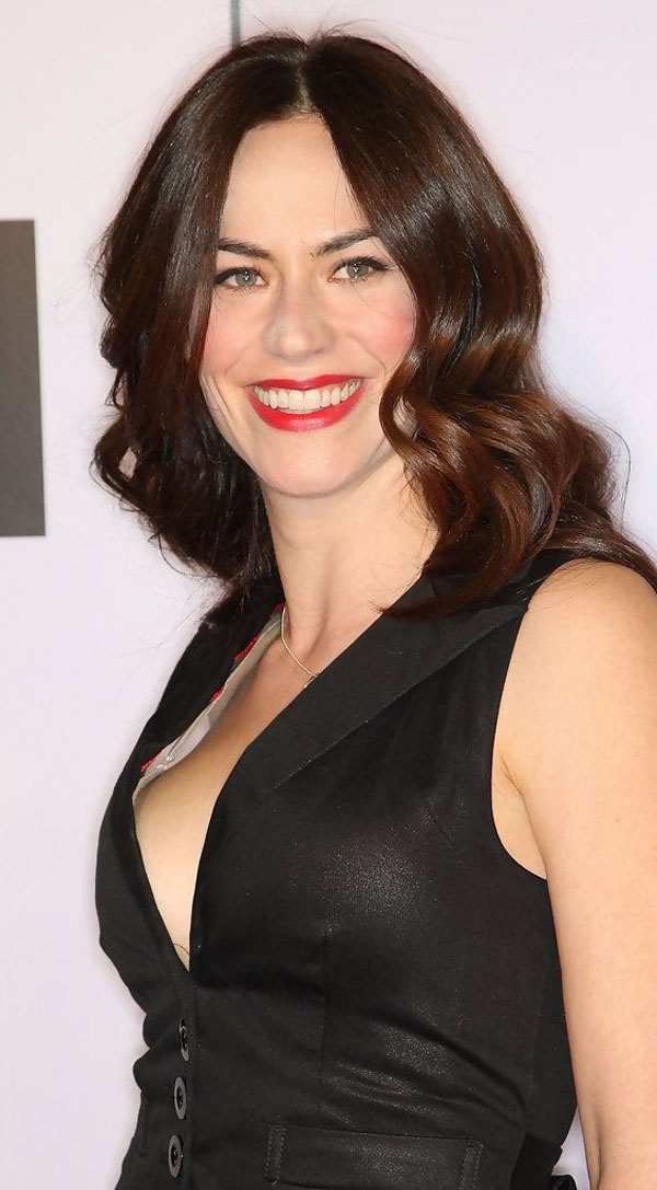 Maggie Siff sexiest pictures from her hottest photo shoots. (12)