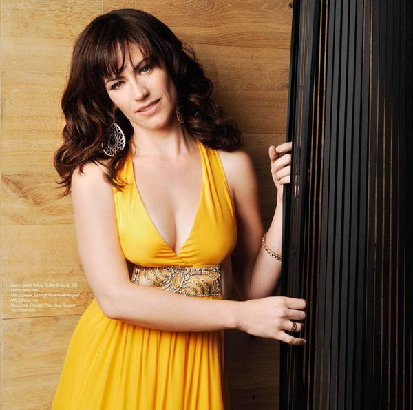 Maggie Siff sexiest pictures from her hottest photo shoots. (2)