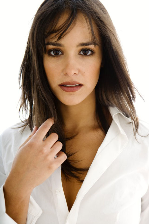 Melissa Fumero sexiest pictures from her hottest photo shoots. (16)