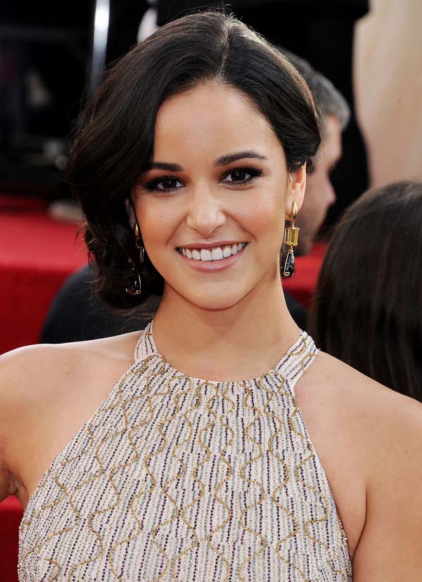 Melissa Fumero sexiest pictures from her hottest photo shoots. (7)