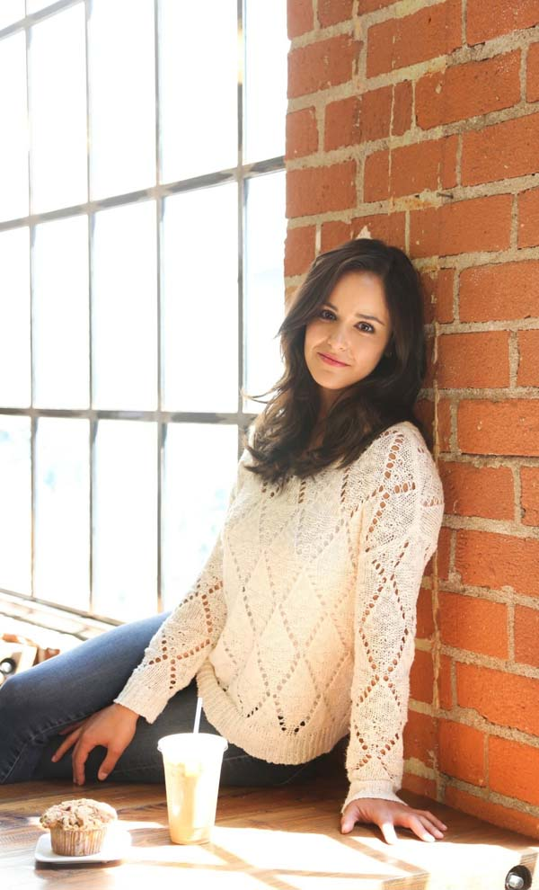 Melissa Fumero sexiest pictures from her hottest photo shoots. (3)