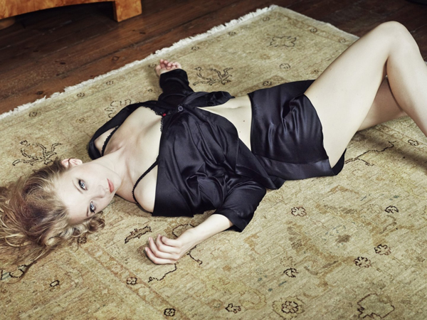 Natalie Dormer sexiest pictures from her hottest photo shoots. (14)