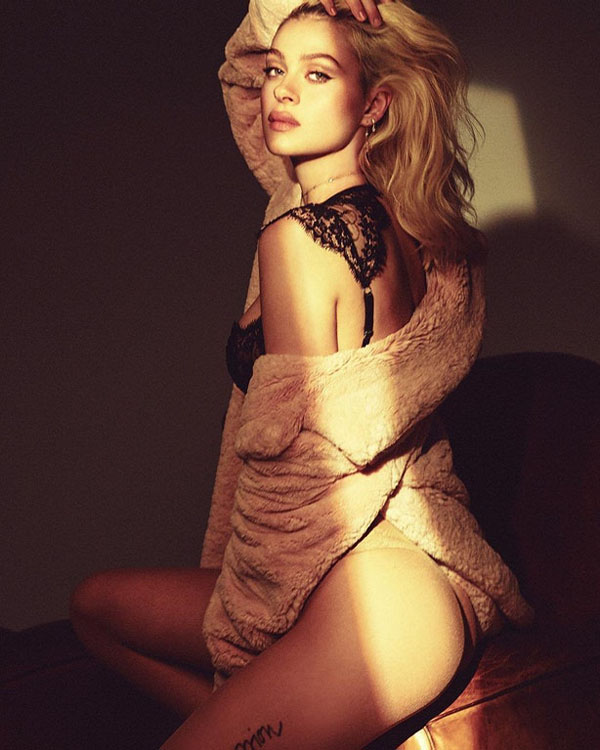 Nicola Peltz sexiest pictures from her hottest photo shoots. (19)