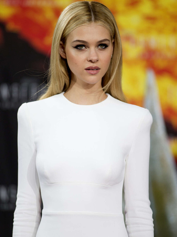 Nicola Peltz sexiest pictures from her hottest photo shoots. (16)
