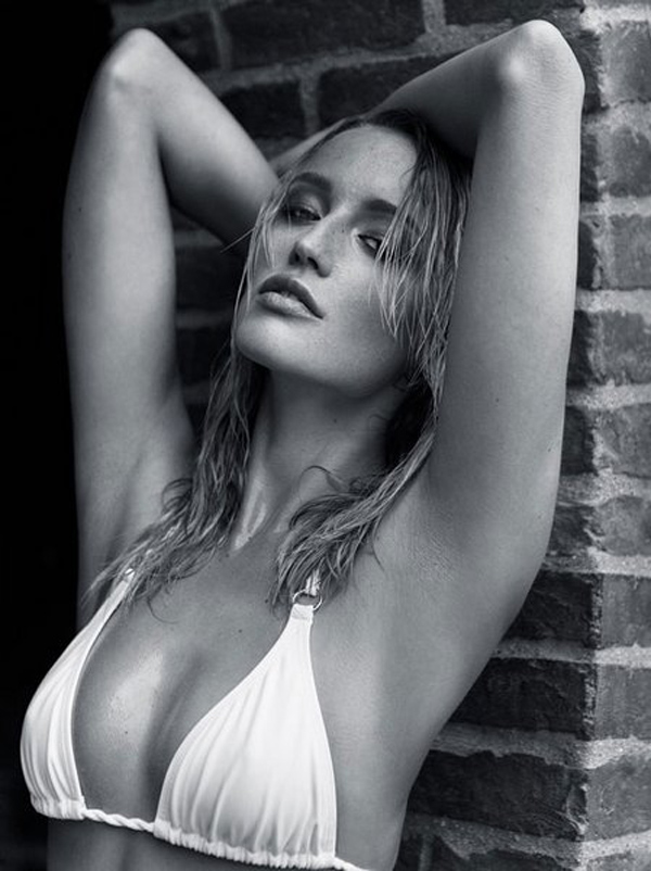 Sarah Dumont sexiest pictures from her hottest photo shoots. (26)