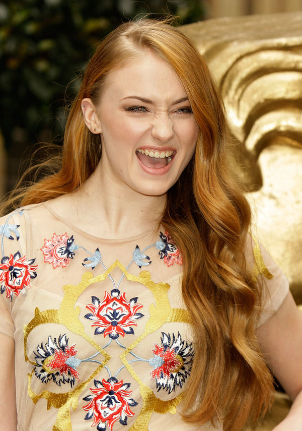 Sophie Turner's sexiest pictures from her hottest photo shoots. (19)