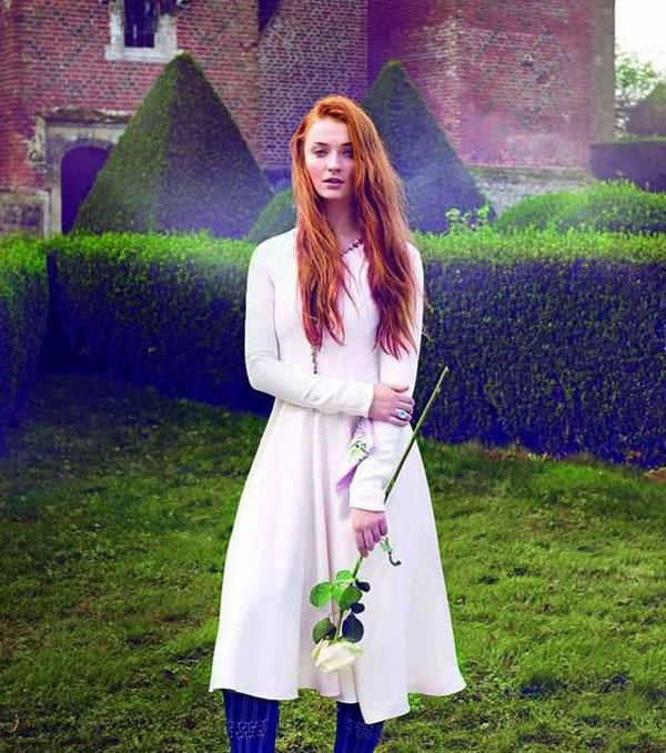 Sophie Turner's sexiest pictures from her hottest photo shoots. (11)