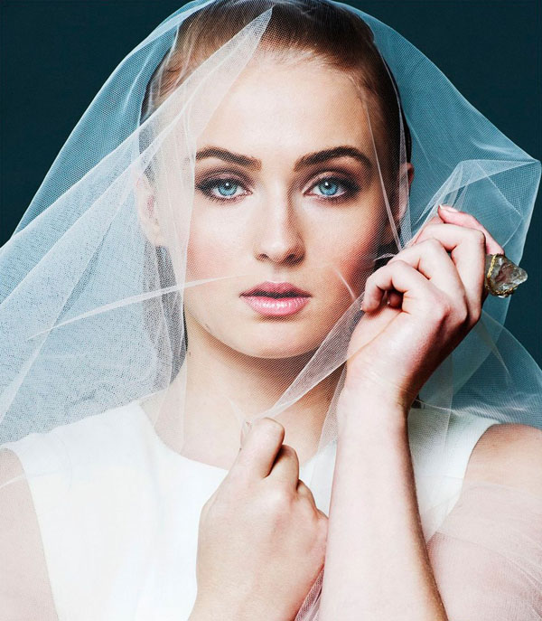 Sophie Turner's sexiest pictures from her hottest photo shoots. (4)