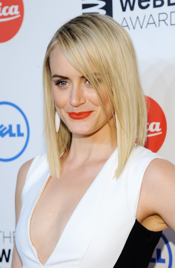Taylor Schilling sexiest pictures from her hottest photo shoots. (21)