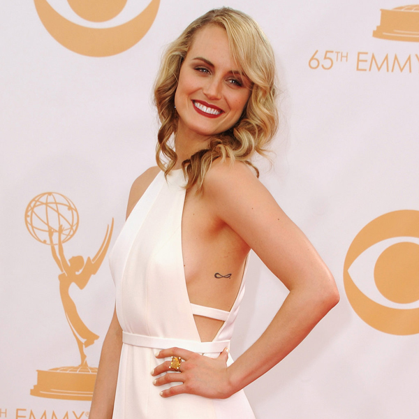 Taylor Schilling sexiest pictures from her hottest photo shoots. (18)