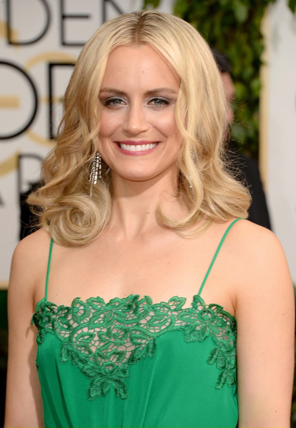 Taylor Schilling Hottest Photos  28 Sexy Near-Nude Pictures, Gifs-2968