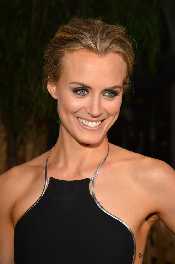 Taylor Schilling sexiest pictures from her hottest photo shoots. (10)