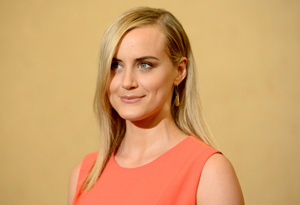 Taylor Schilling sexiest pictures from her hottest photo shoots. (6)