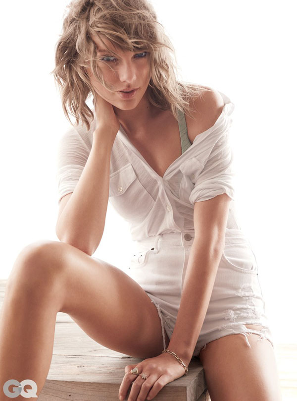 Taylor Swift sexiest pictures from her hottest photo shoots. (26)