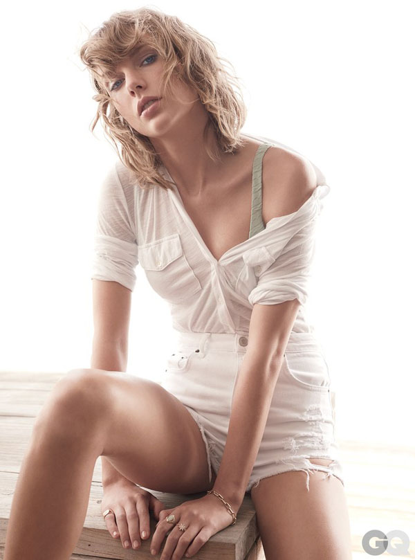 Taylor Swift sexiest pictures from her hottest photo shoots. (23)