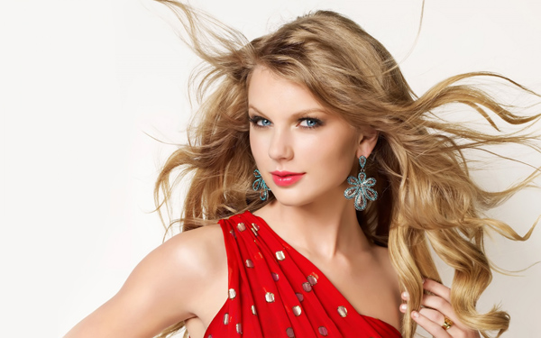Taylor Swift sexiest pictures from her hottest photo shoots. (6)