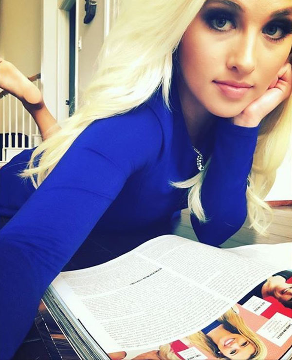 Tomi Lahren sexiest pictures from her hottest photo shoots. (7)