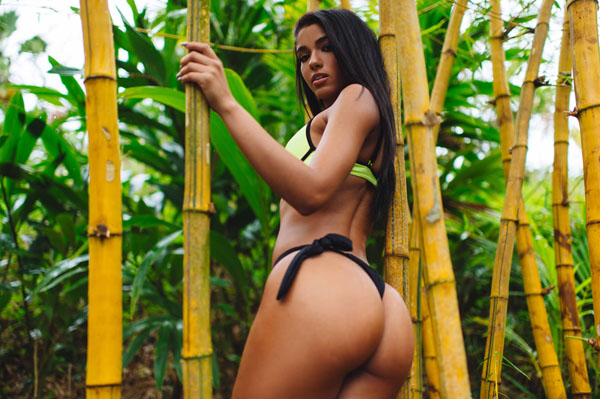 Yovanna Ventura sexiest pictures from her hottest photo shoots. (36)