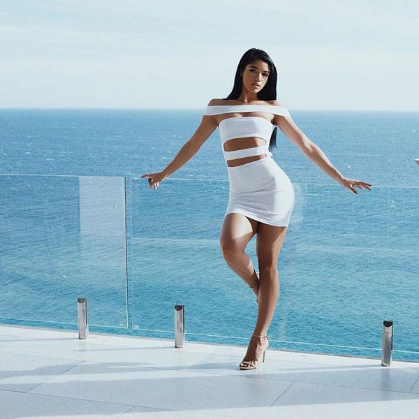 Yovanna Ventura sexiest pictures from her hottest photo shoots. (10)