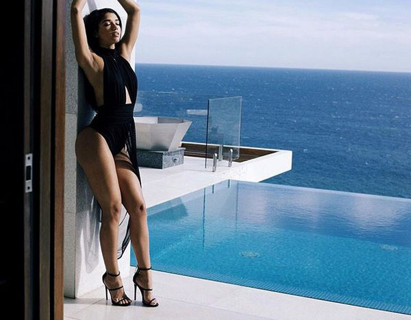 Yovanna Ventura sexiest pictures from her hottest photo shoots. (8)