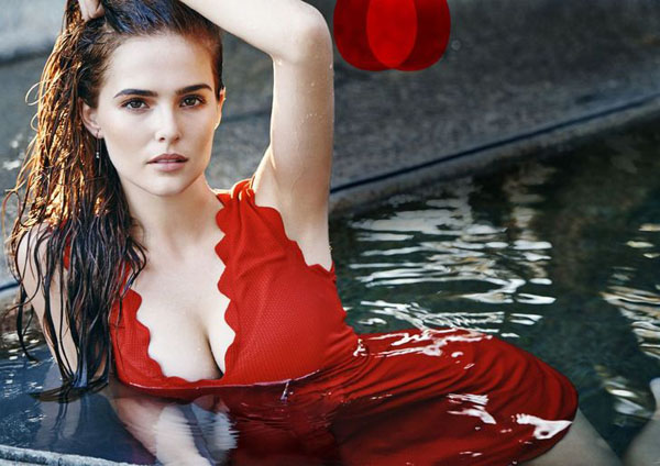 Zoey Deutch sexiest pictures from her hottest photo shoots. (30)