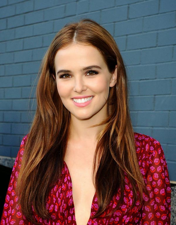 Zoey Deutch sexiest pictures from her hottest photo shoots. (14)