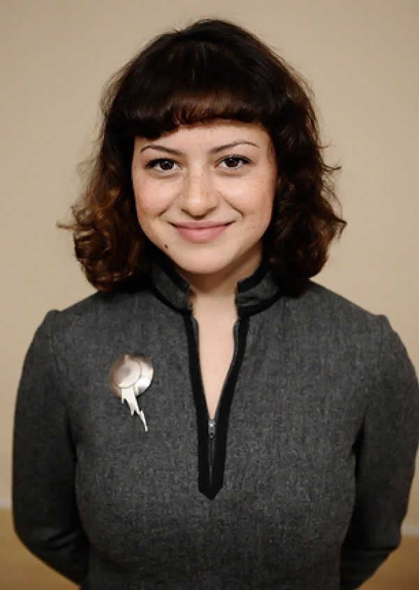 Alia Shawkat sexiest pictures from her hottest photo shoots. (6)