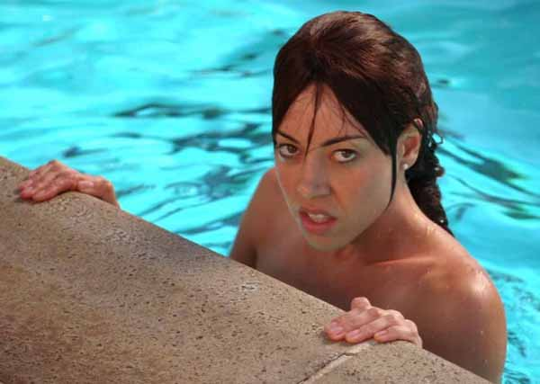 Aubrey Plaza sexiest pictures from her hottest photo shoots. (29)