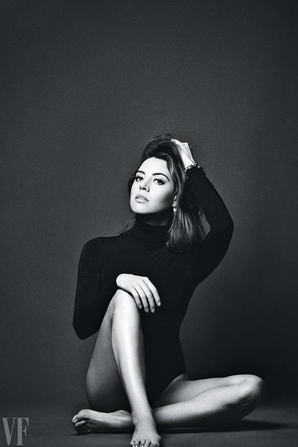 Aubrey Plaza sexiest pictures from her hottest photo shoots. (28)